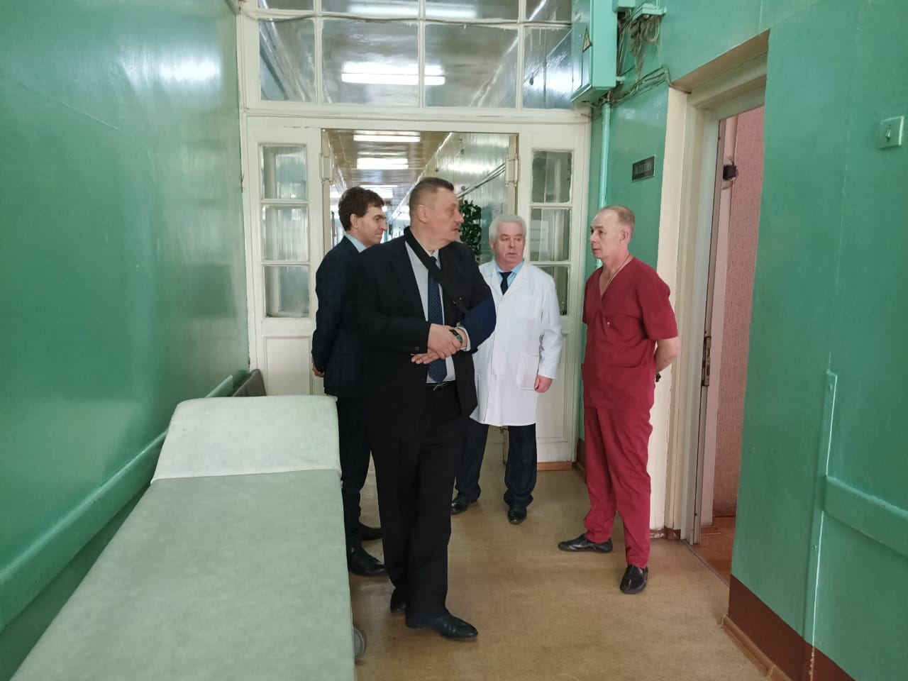 Министр здравоохранения Нижегородской области Александр Смирнов посетил Городскую клиническую больницу №12